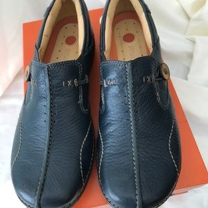 NEW CLARKS UNSTRUCTURED UN.LOOP NAVY LEATHER